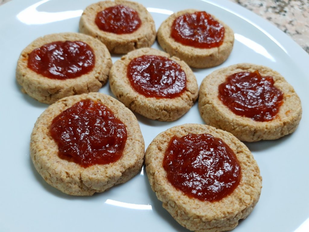 Whole Wheat Cookies With Quince Paste